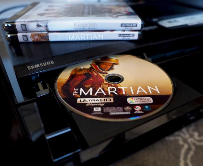 https://cdn2.highdefdigest.com/media/2016/02/18/660/Ultra_HD_Blu-ray_TheMartian_disc.jpg